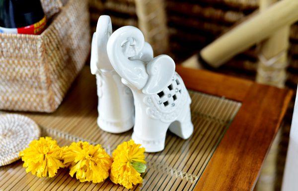 dekoration-villa-jendela-di-bali-white-elephant-ubud-reiseblog-travelbllog-Fashionzauber