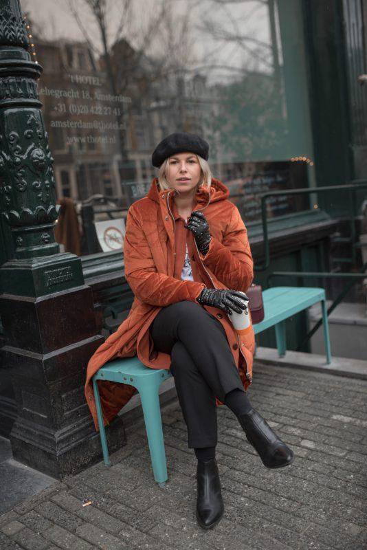 asos-coat-orange-velvet-steppmantel-vagabond-boots-styleblog