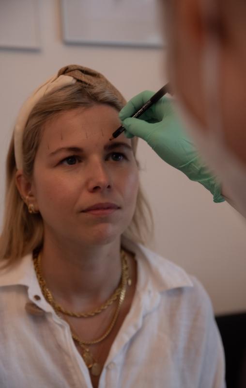 Microblading-Berlin-erstbehandlung-goldener-schnitt-1